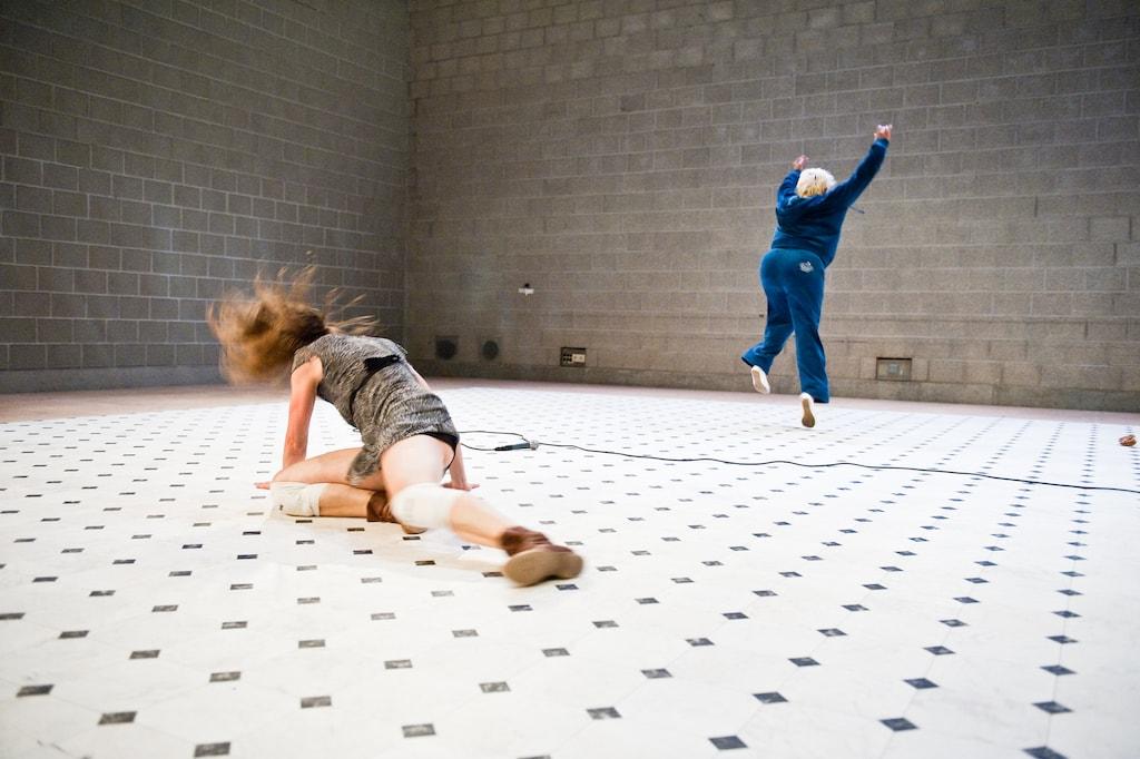 'Avatar' Tanztheater von backsteinhaus produktion - Caroline Intrup | Sprecherin Performerin Sprechtrainerin | Berlin