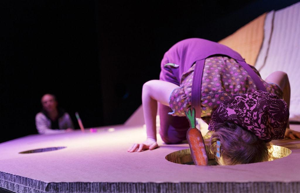 'Ich will ein Kaninchen!' Theater für die Allerkleinsten von Andy Manley - Caroline Intrup | Sprecherin Performerin Sprechtrainerin | Berlin